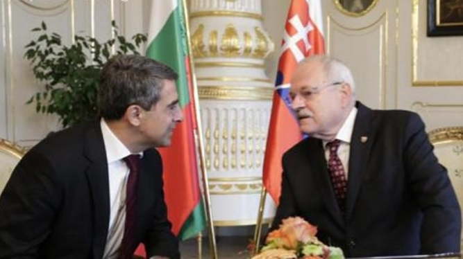 Slovakia grants Bulgaria 100 000 euro to help cope with refugee situation
