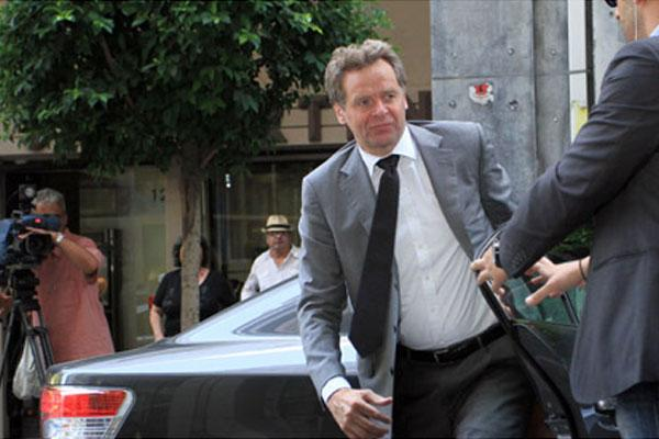 Greek civilian arrested for assault against the head of the troika