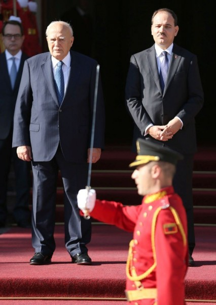 President's Papoulias visit doesn't manage to resolve delicate issues between Albania and Greece