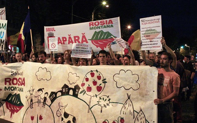 2013 review in Romania: tough talk in politics precedes year of electoral all-out war