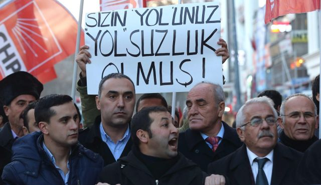 Erdogan accuses judges and district attorneys for 'conspiracy'