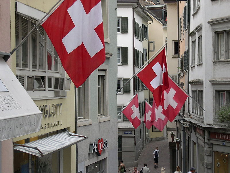 Switzerland extends labor restrictions for Romanians and Bulgarians
