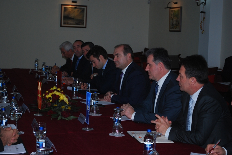 Transport Ministers of FYROM, Albania and Kosovo discuss infrastructural projects in Ohrid