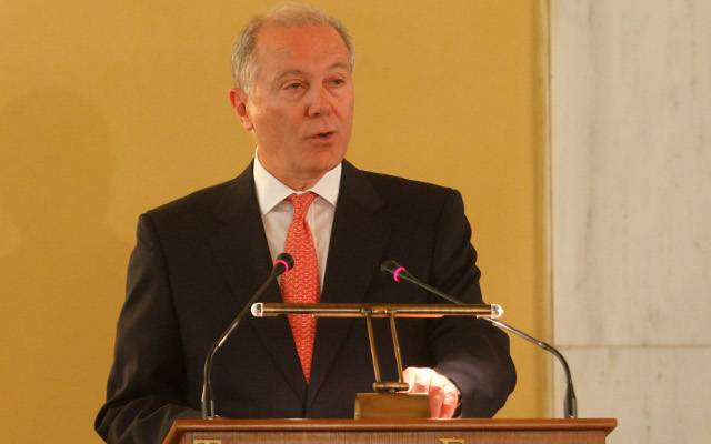 Political Instability Top Risk Factor for Greek Economy, BoG Governor Says