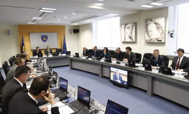 Government of Kosovo increases wages and pensions by 20%