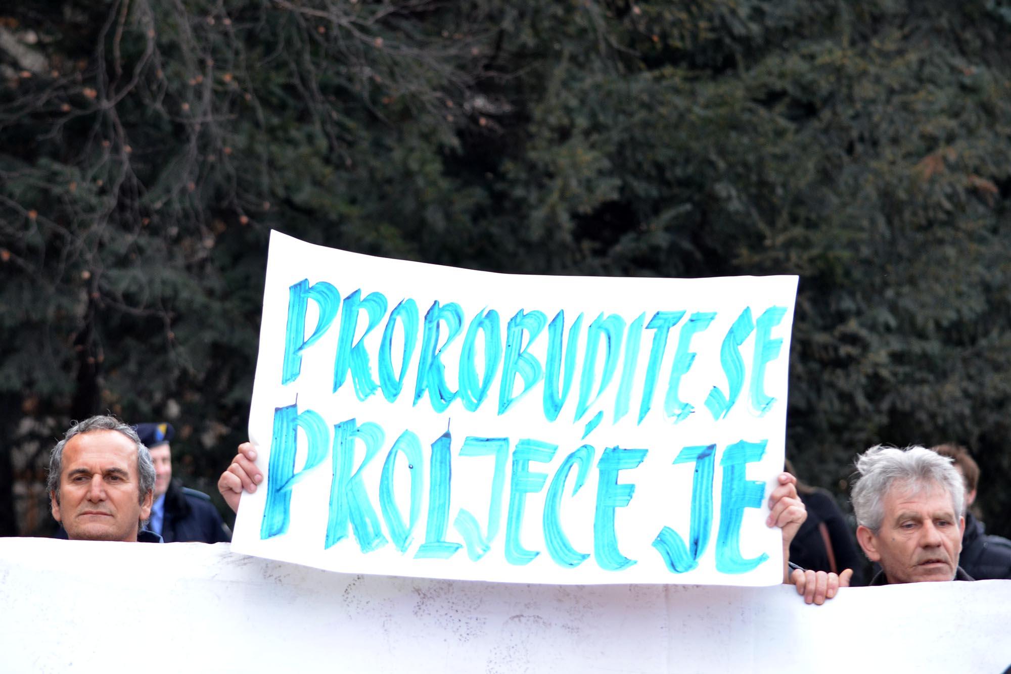 Protestors in Sarajevo Still Demanding Resignation of the Entire FB&H Government