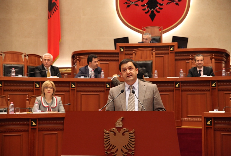 Debates take place in the Albanian parliament over the education of Greek minority