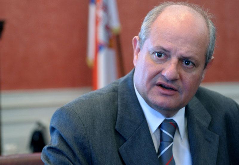Crisis in serbian diplomacy