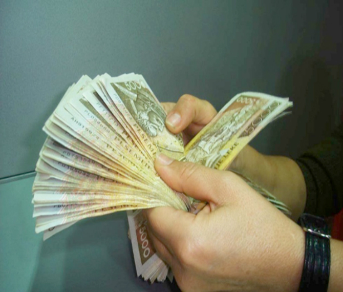 Banks: Albanian government must pay businesses that have bad debts