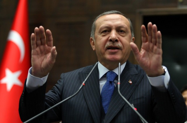 Erdogan 'intermits' his political opponent's interviews on television network