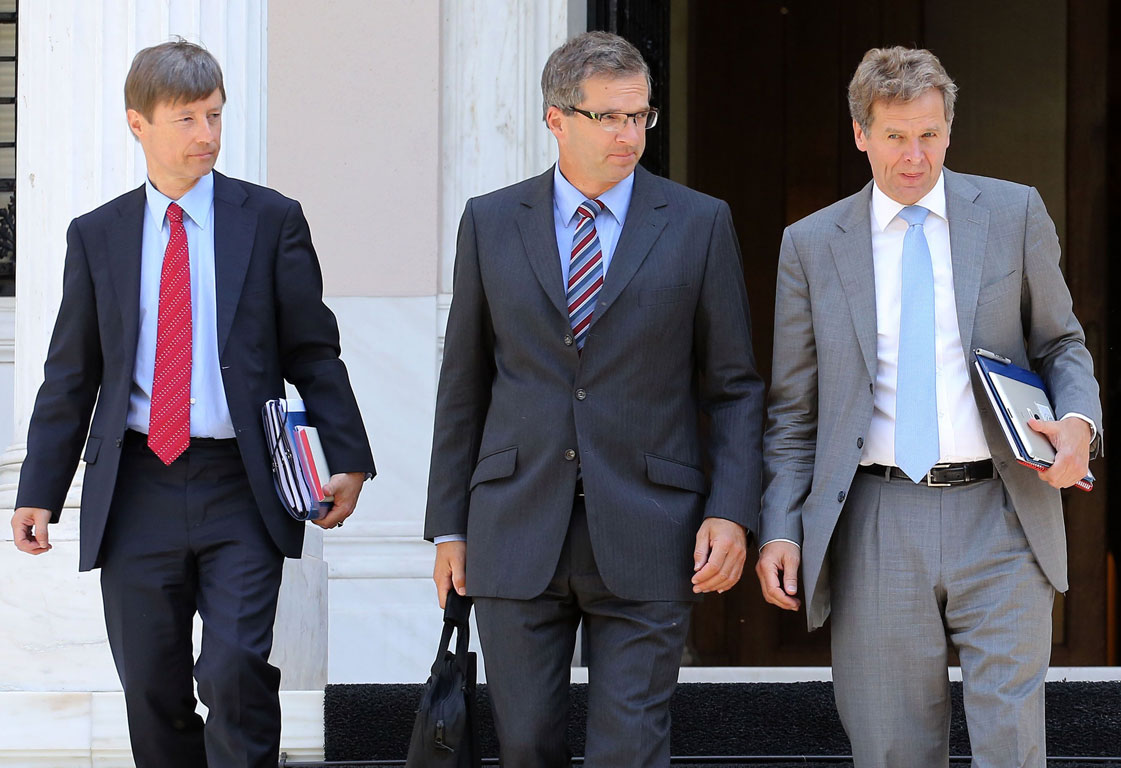 Greek bankers concerned troika is playing dangerous game of cat & mouse