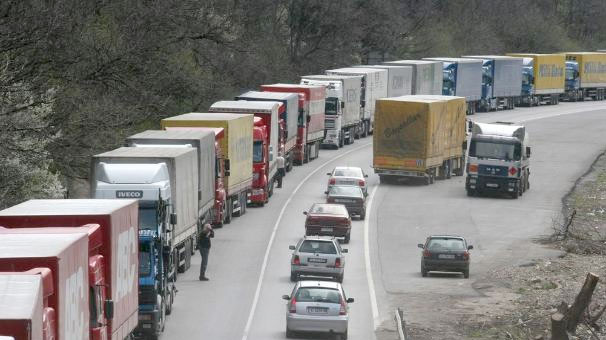 Problems continue at Bulgarian-Turkish border because of lorry transit licence dispute