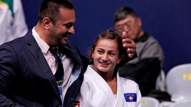 Kosovo judo fighter Majlinda Kelmendi wins the golden medal in Turkey