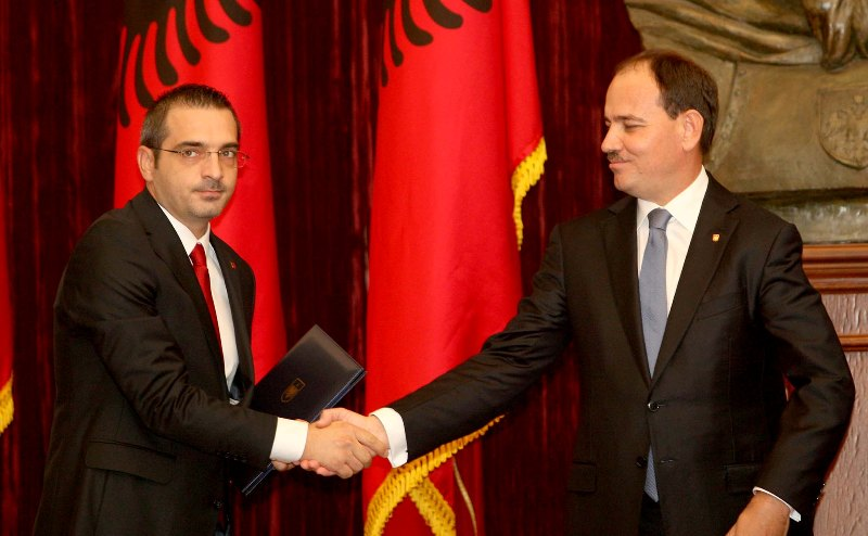 """A """"cold"""" meeting between the President and minister of Interior"""