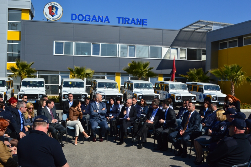 A foreign company starts its work in Albanian customs to fight evasion