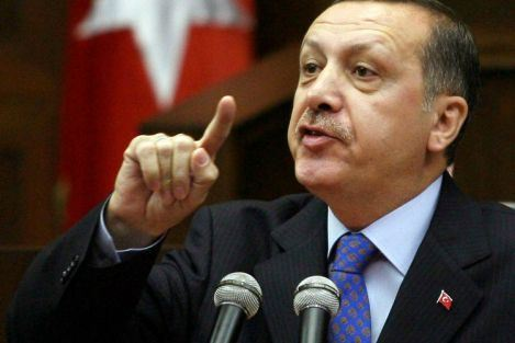 Erdogan gets annoyed by woman who makes indecent gesture