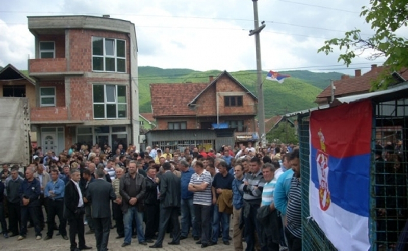 Serbs break into a police station and release a person wanted by EULEX