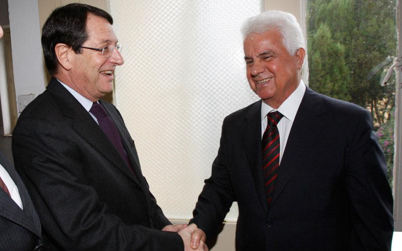 Greek and Turkish Cypriot leaders meet on Cyprus issue
