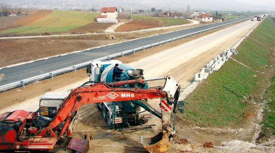 Accusations for organized crime in the construction of a highway in FYR Macedonia