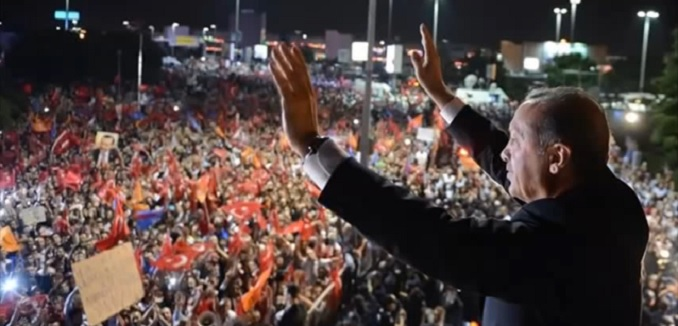 New poll reports free fall for AKP