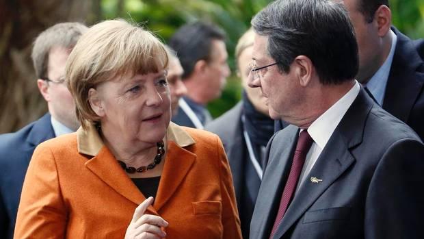 Anastasiades and Merkel discuss economy and Cyprus issue