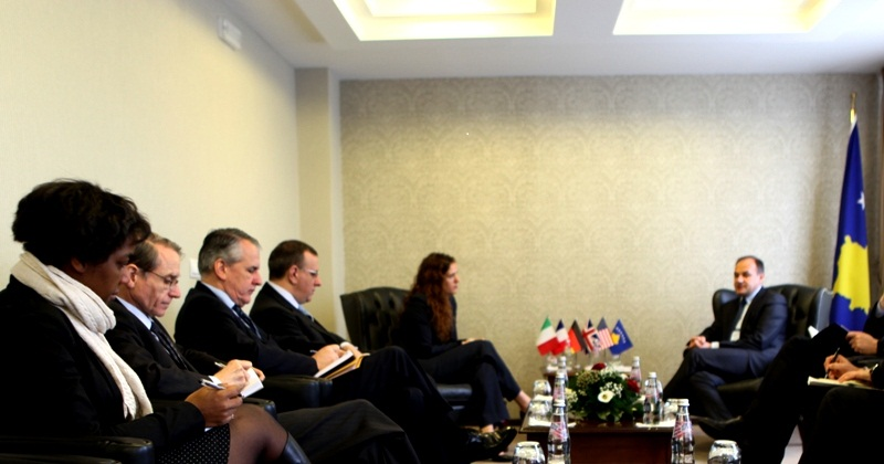 Five foreign ambassadors briefed on the creation of Armed Forces
