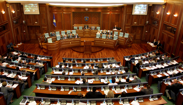 Thaci strikes a deal with Mustafa, parliament dissolved, government overthrow prevented