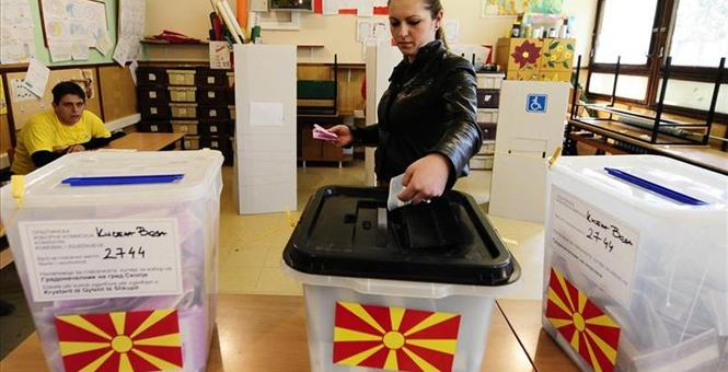 14 political parties compete in the early parliamentary elections in FYR Macedonia