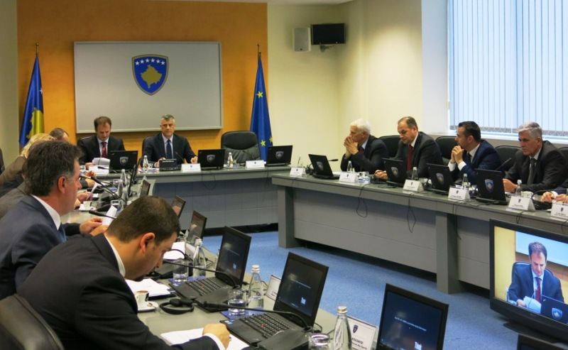 Outgoing government approves the 2015 draft budget