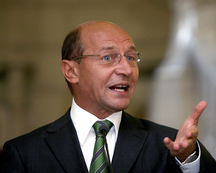 """Romania's Basescu pleads for limited terms to root corrupted """"local barons"""""""