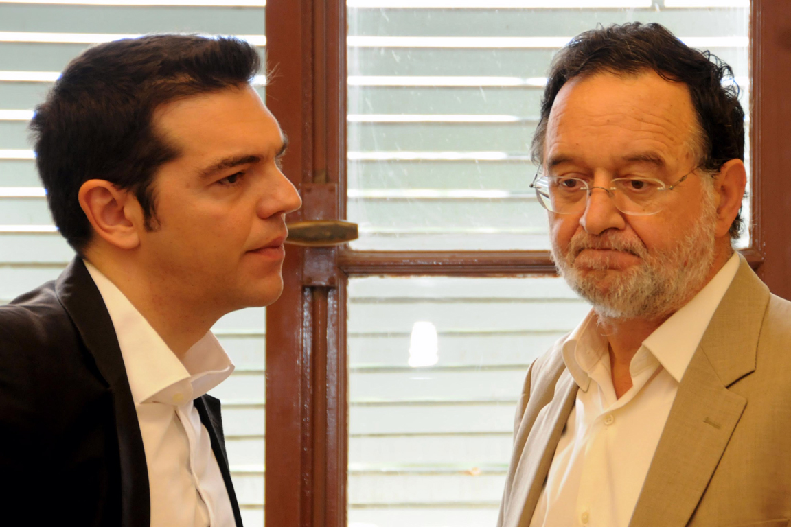 SYRIZA facing identity crisis as left-wingers question Tsipras