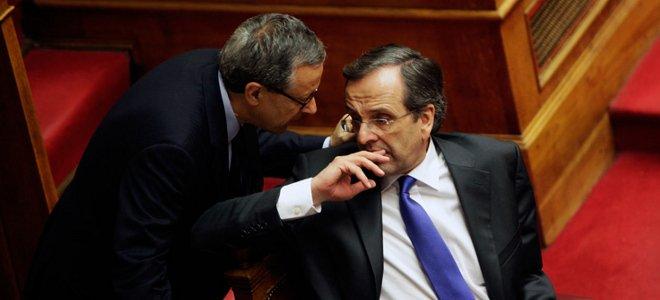 National Bank of Greece shares plummet as capital increase plan goes ahead