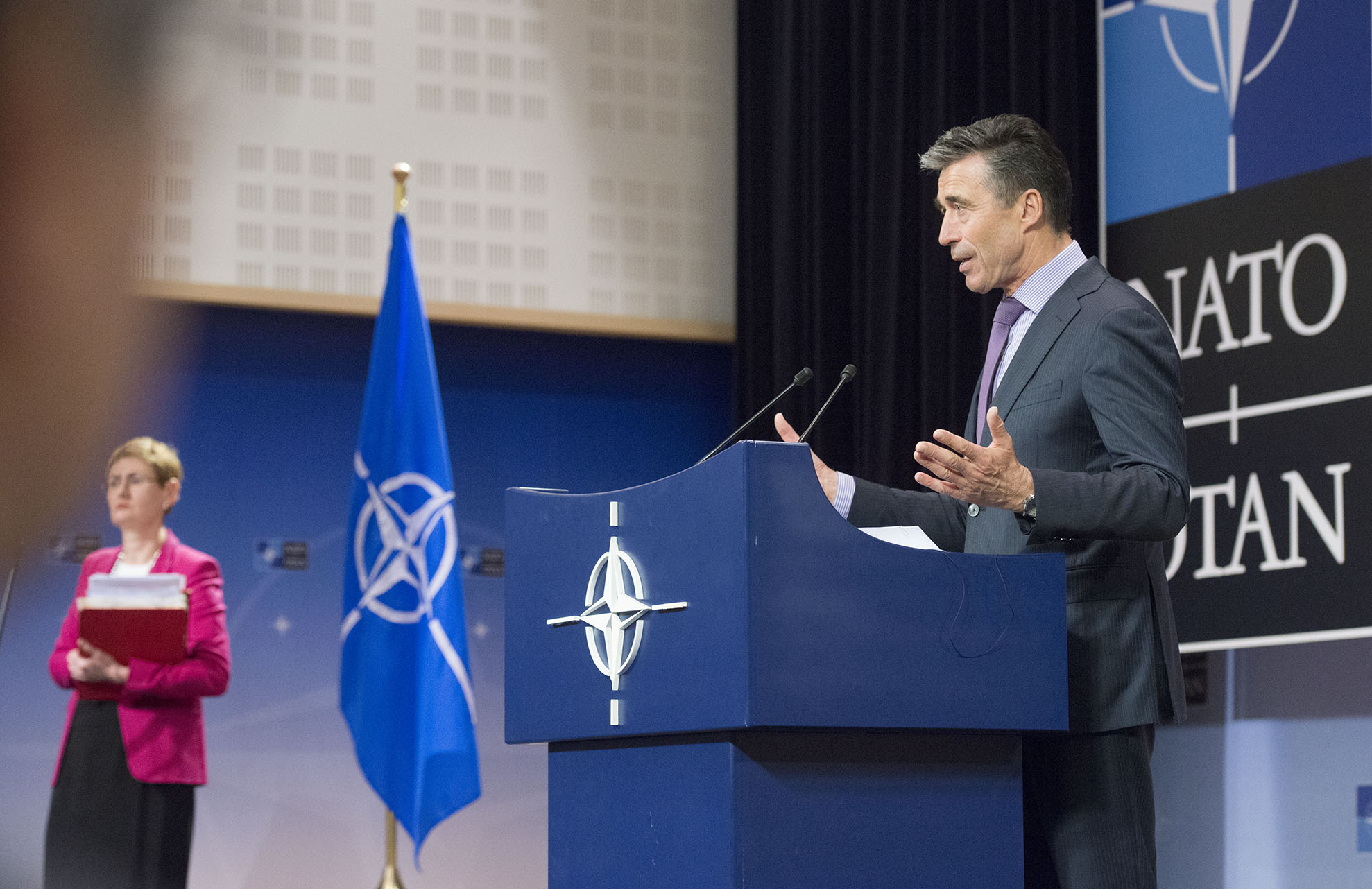 Ukraine to top agenda as Nato's Rasmussen visits Bulgaria