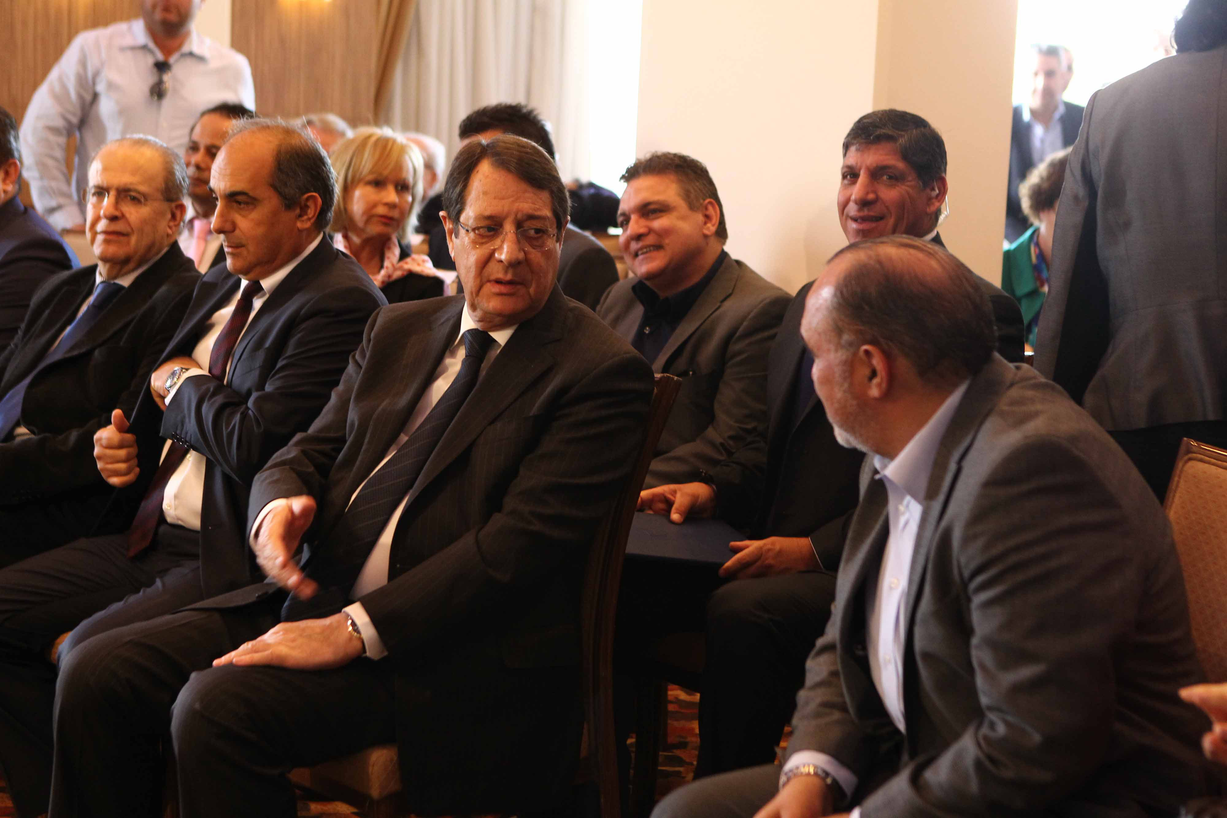 Cyprus President in Athens to meet political leadership