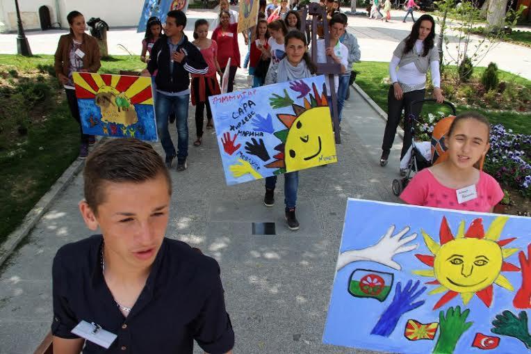 """We Build Bridges"" for Albanian and Macedonian children"