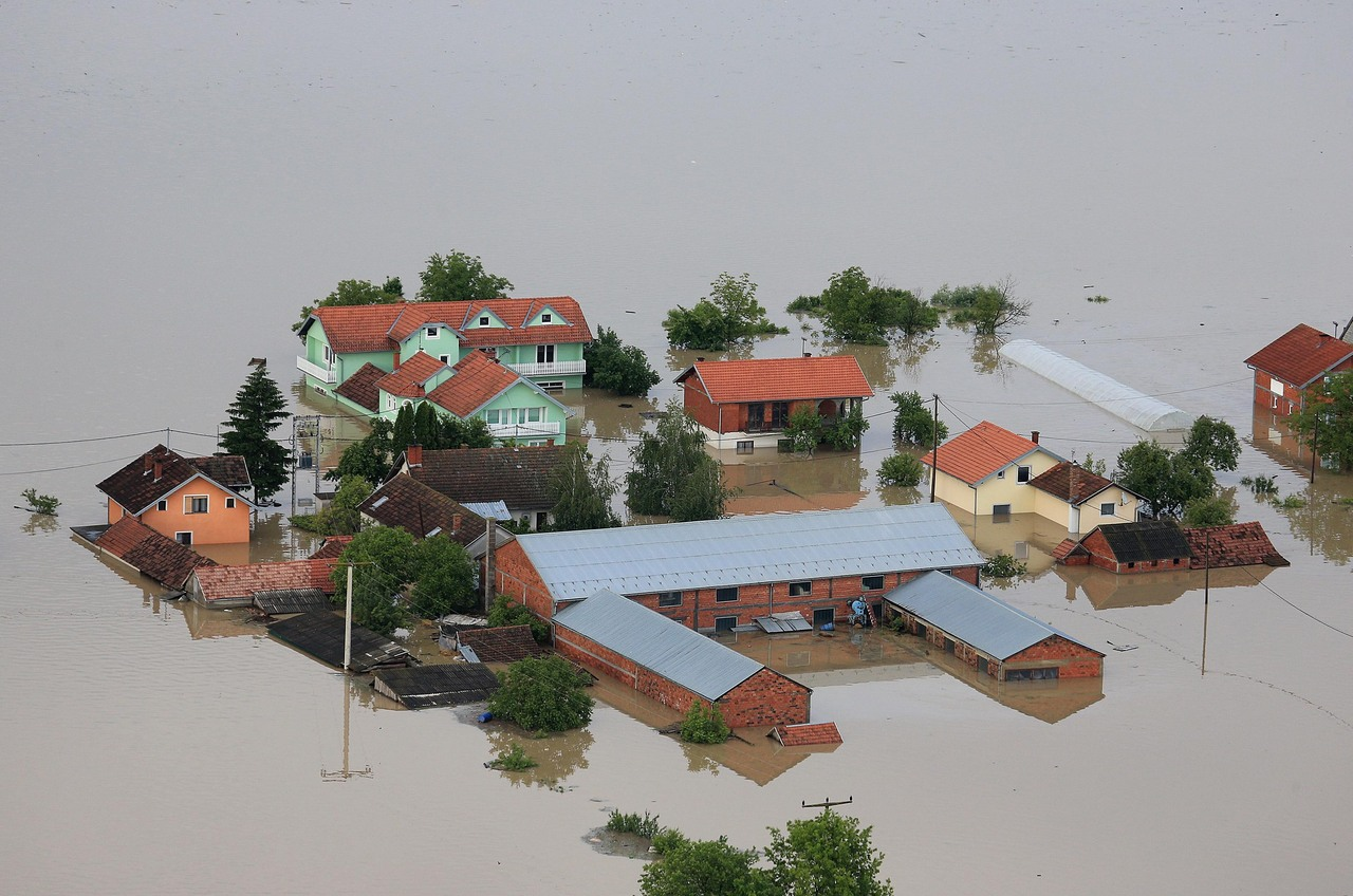 Help to the flooded areas not waning