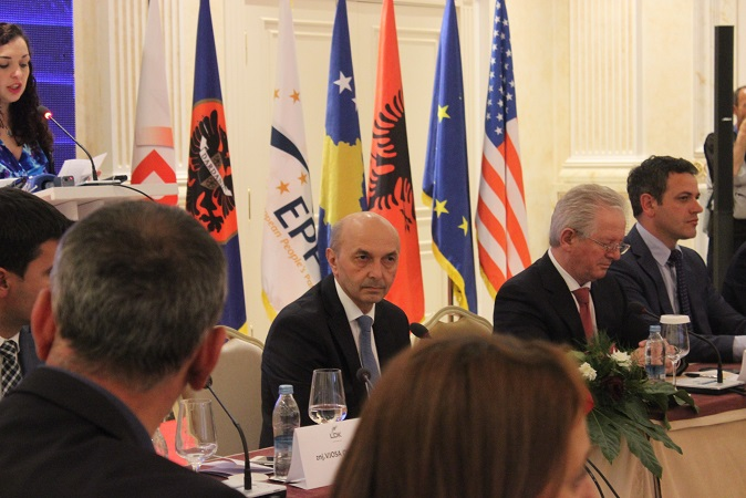 Opposition:  Kosovo is facing problems of crime and corruption