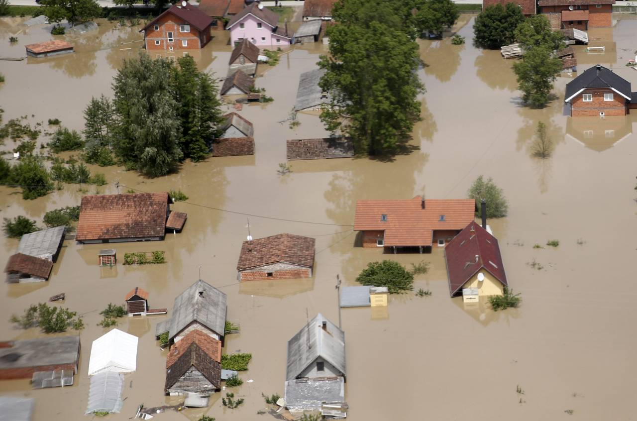 Vucic urges 'investigation' on floods