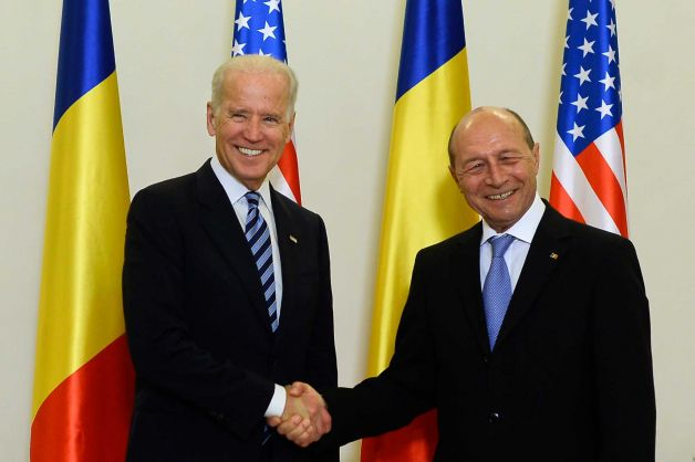 Weekly review: Biden's admonition and elections with no campaign