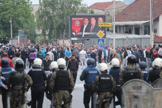 Different political stances in Skopje on the violent protests