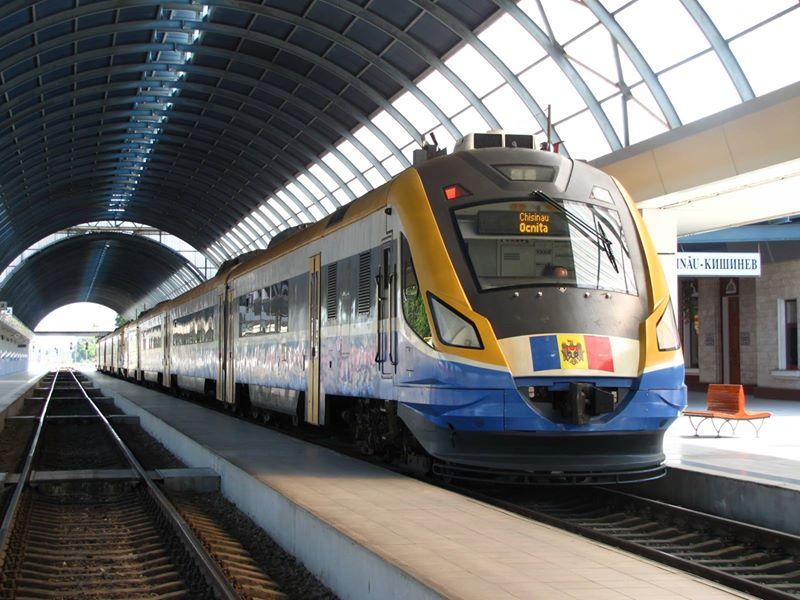 Romania produces its first post-communist locomotive