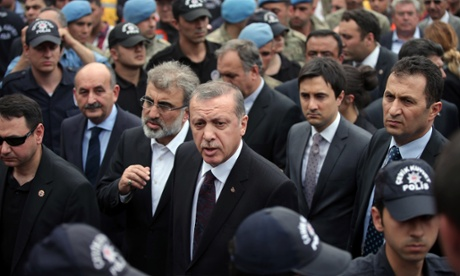 Erdogan's punch, the 'semen of Israel' and the presidential dreams