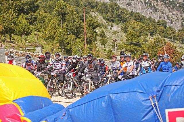 Photo report/ Albanian Balkan cyclists gather at Tomorri mount