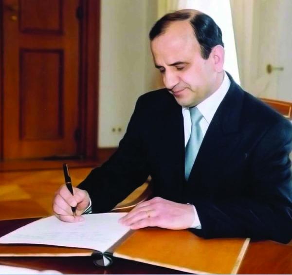 Diplomacy for everyone in Albania