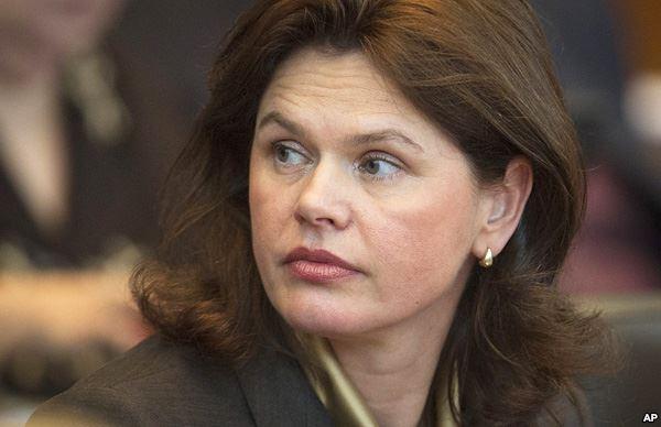 Slovenian Prime Minister Alenka Bratušek hands in official resignation