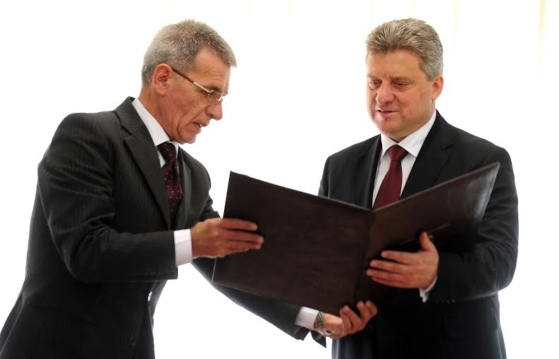 Ivanov receives the certificate for his second presidential mandate