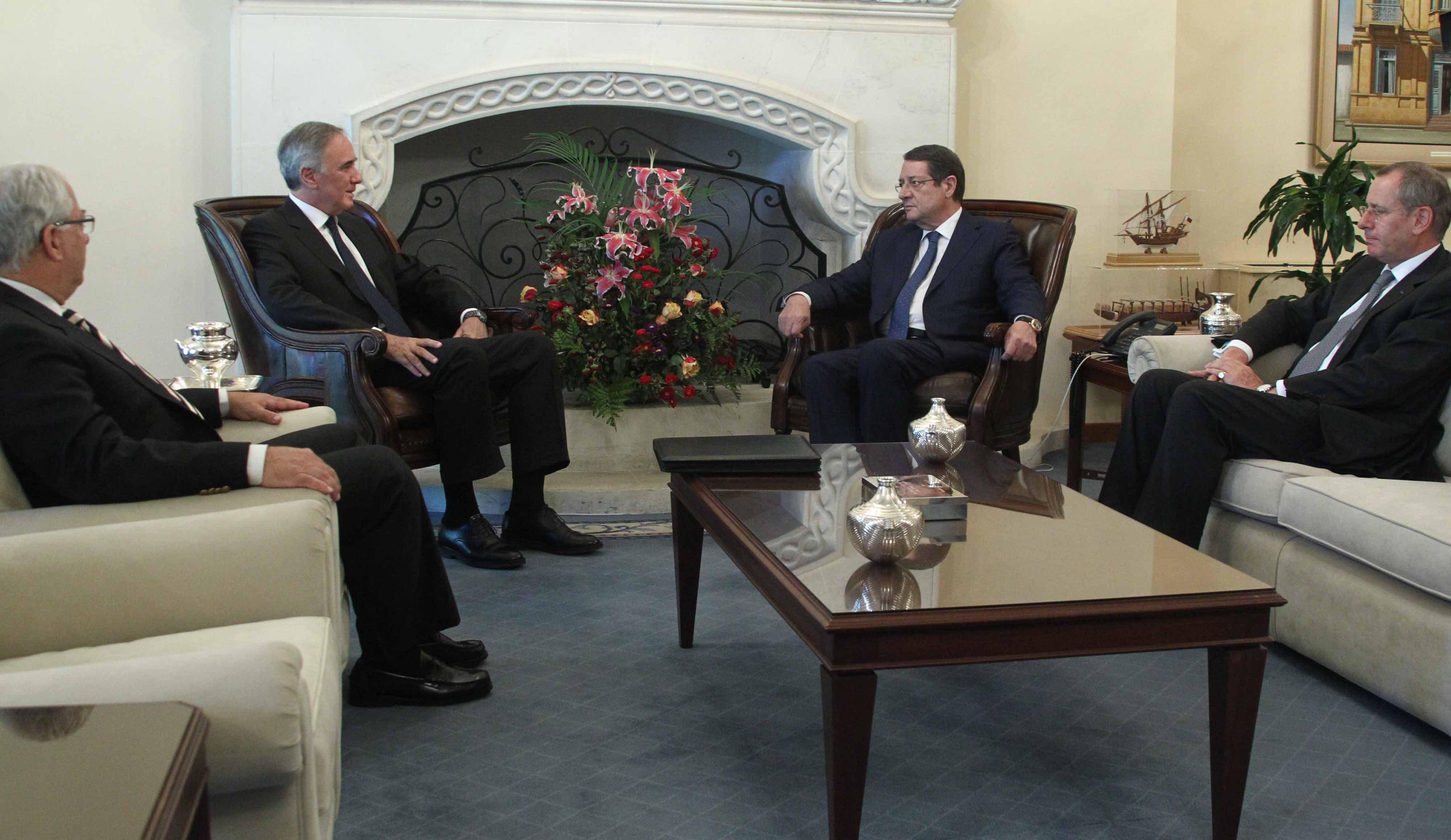 Greece and Cyprus discuss politics, energy and economy