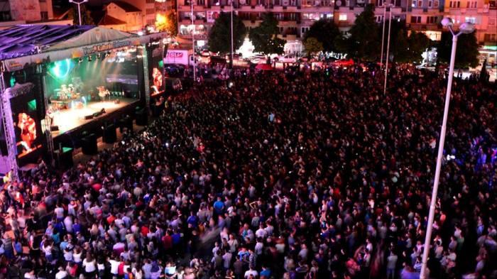 """""""Elita 5"""" promotes their new album in Tetovo"""