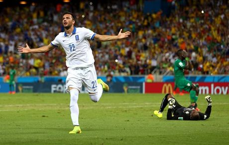 Greece progresses to second round of World Cup for the first time