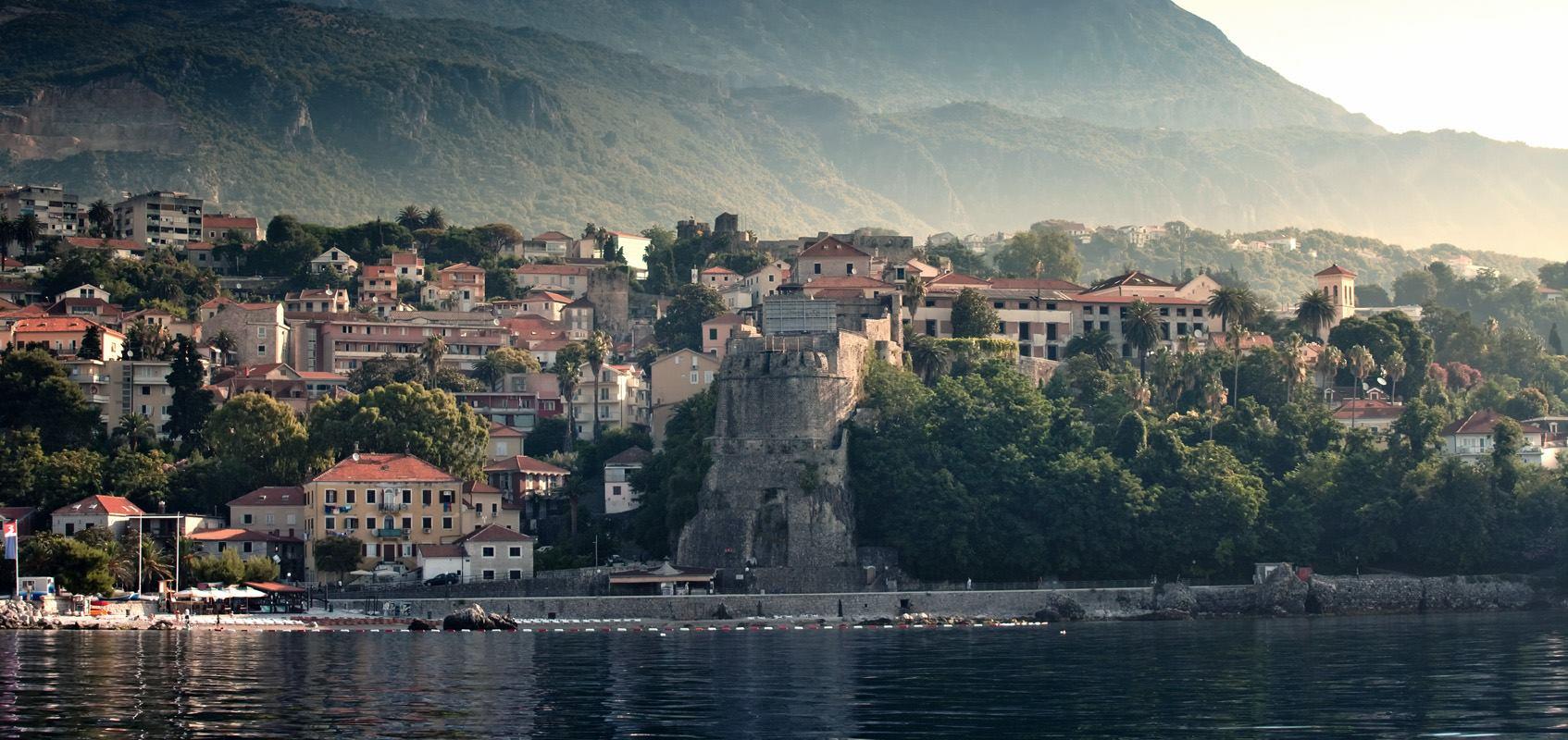 Kosmajac crosses to Montenegro